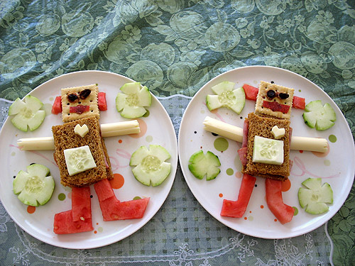 CutestFood_com_cute_food_robot_sandwiches2