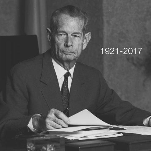 Regele-Mihai-1921-2017_02-800x800.jpg